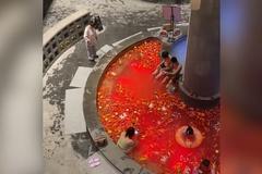 Khách sạn ngâm 10 kg ớt vào suối nước nóng