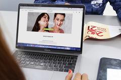 Oriflame ra mắt kênh mua sắm trực tuyến 'Khách hàng VIP'