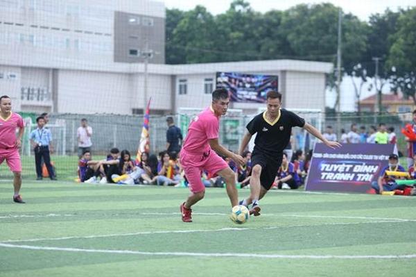 'Siêu hùng tranh đấu' - sân chơi sôi động cho người yêu bóng đá