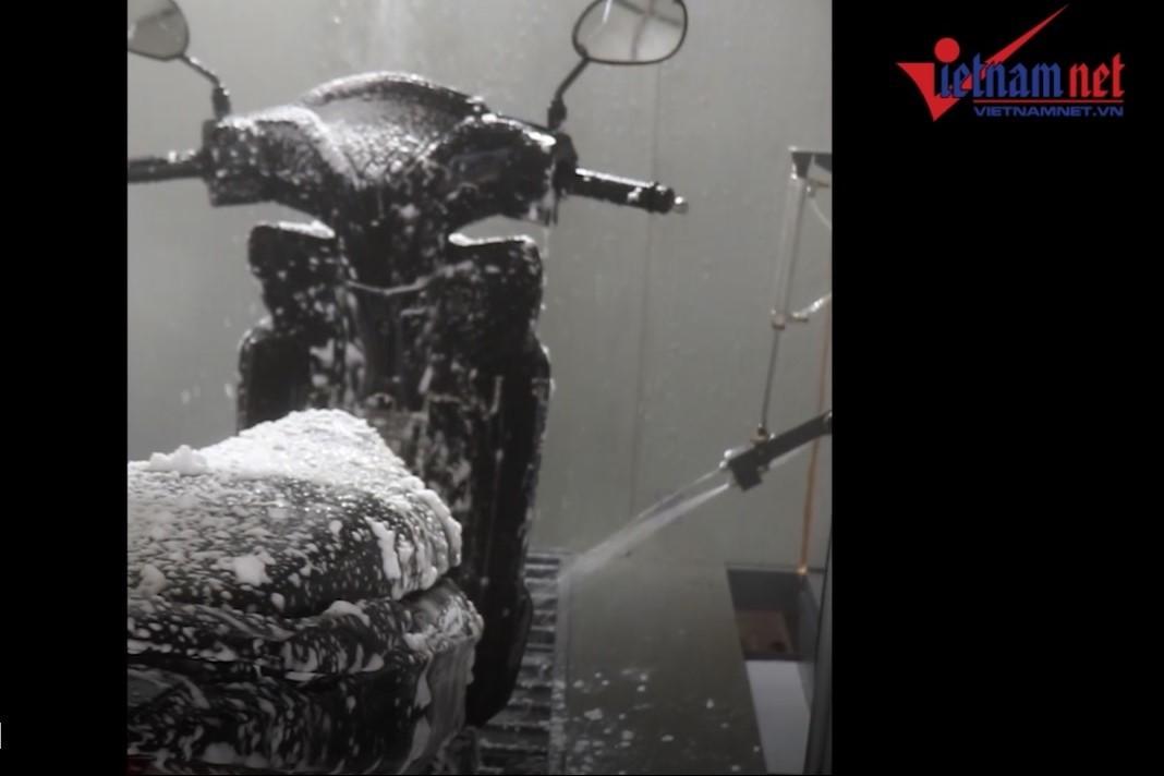 Máy rửa xe tự động giá 100 triệu của sinh viên Đà Nẵng