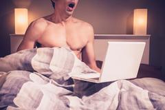 Thủ dâm quá nhiều, thanh niên 17 tuổi gặp sự cố hy hữu