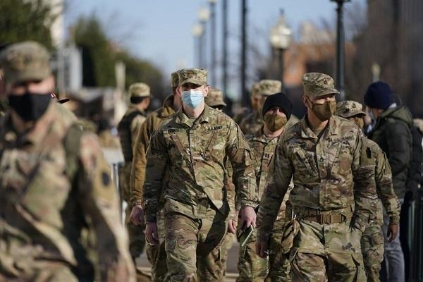 Mỹ triển khai binh sĩ có vũ trang tại thủ đô
