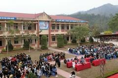 Thắp sáng ước mơ đến trường cho học sinh vùng cao