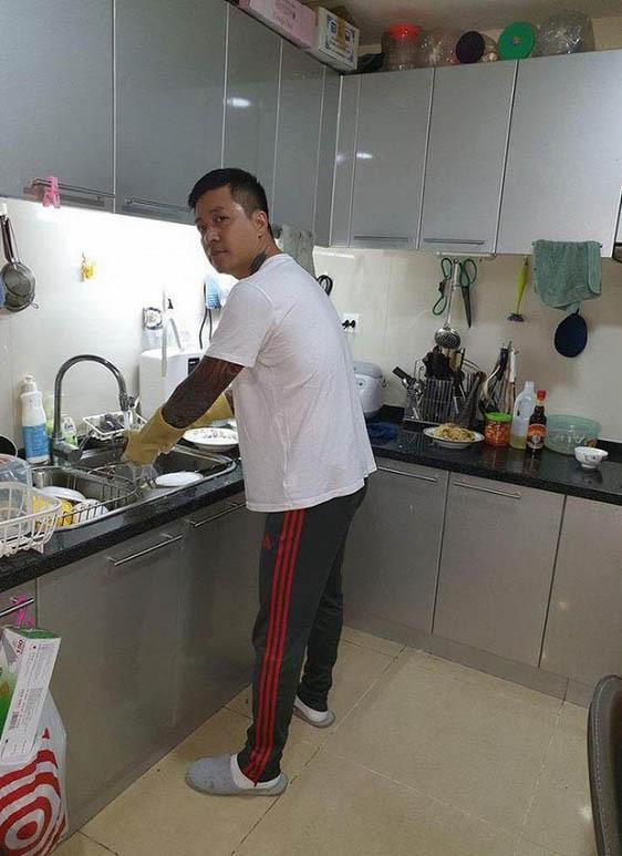 Tuấn Hưng không chỉ giàu có, nổi tiếng mà còn đảm đang việc nhà