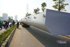Ô tô siêu dài nghênh ngang lọt qua nhiều chốt trạm kiểm soát ở 3 tỉnh thành