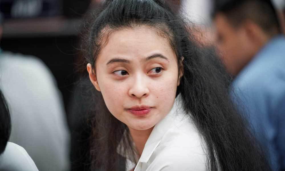 Hoãn phiên xử hot girl Ngọc Miu và Văn Kính Dương vì đồng phạm bị ốm