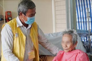 Thay khớp háng cho cụ bà 106 tuổi