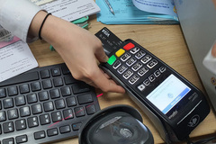 Cảnh báo dịch vụ rút tiền đảo nợ thẻ tín dụng 'chui'