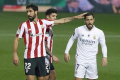 Real thua bẽ bàng, Zidane bảo vệ thảm họa Hazard