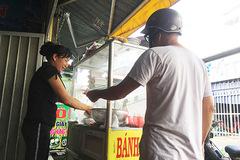 Bà chủ mang món ăn nức tiếng Hà Nội vào Sài Gòn, thu tiền triệu mỗi ngày