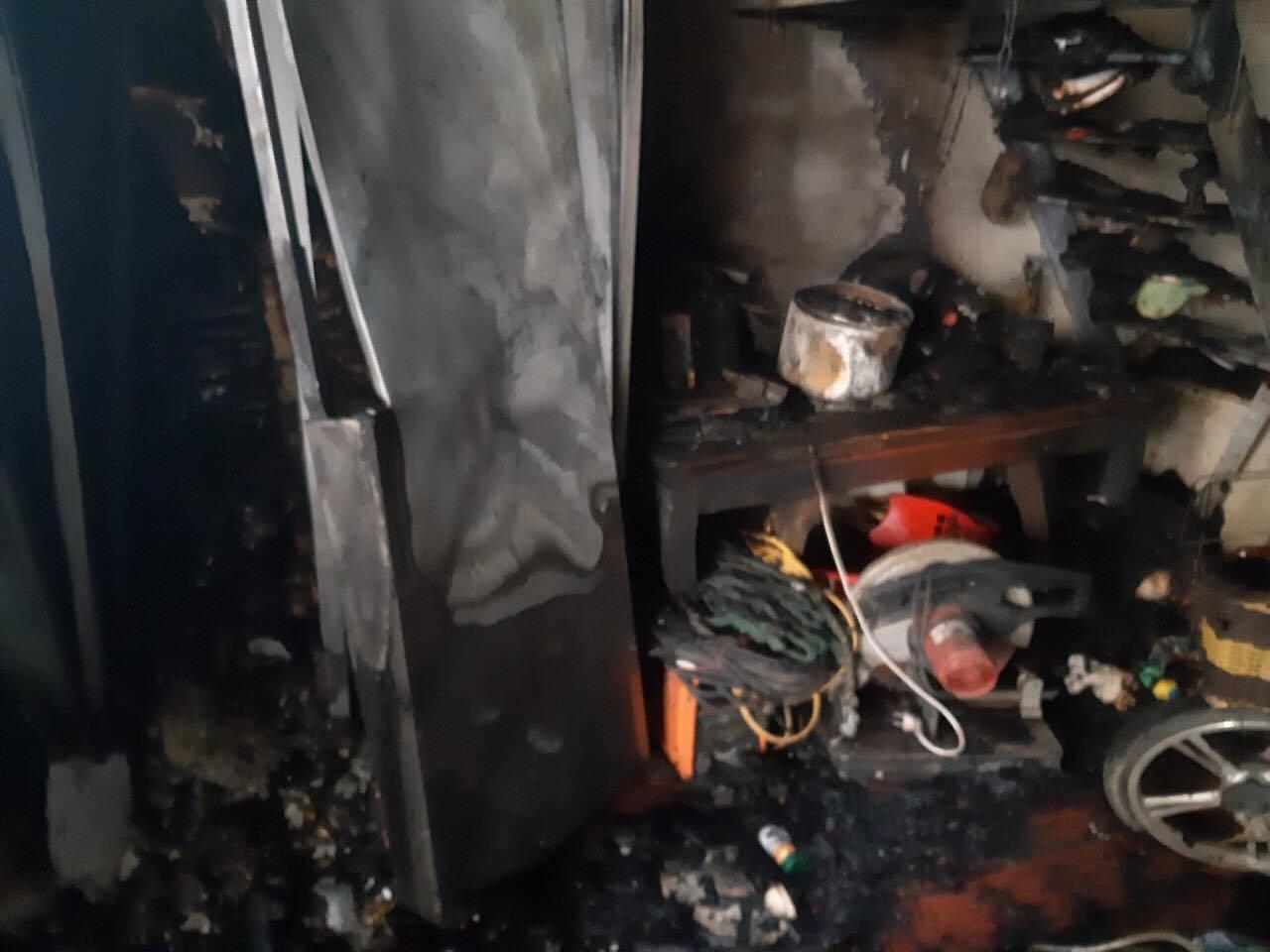 Nhà cháy, bé gái 2 tuổi bị máy xay nghiền nát tay, gia đình kêu cứu