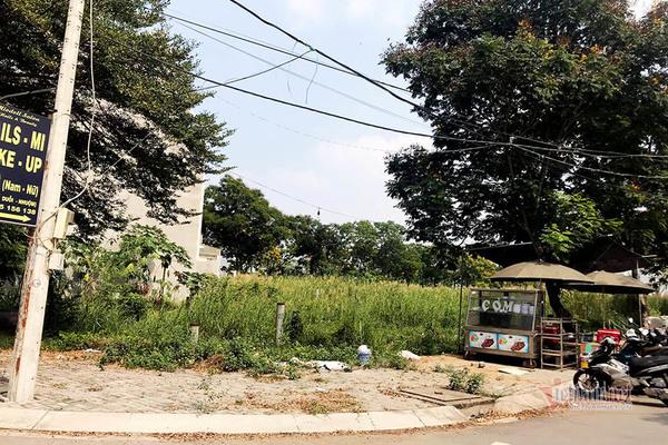 Bỏ tiền tỷ mua đất, đằng đẵng 16 năm vẫn chưa được xây nhà