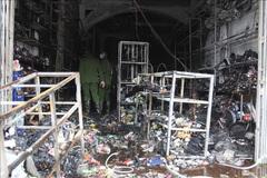 Cháy ngôi nhà 3 tầng ở Thái Bình, bé gái 15 tuổi tử vong