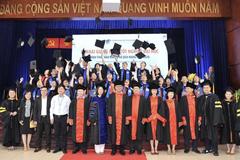 69 cử nhân đầu tiên tốt nghiệp chương trình đào tạo trực tuyến ĐH Mở TP.HCM