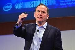 Tại sao CEO Intel phải xin từ chức?