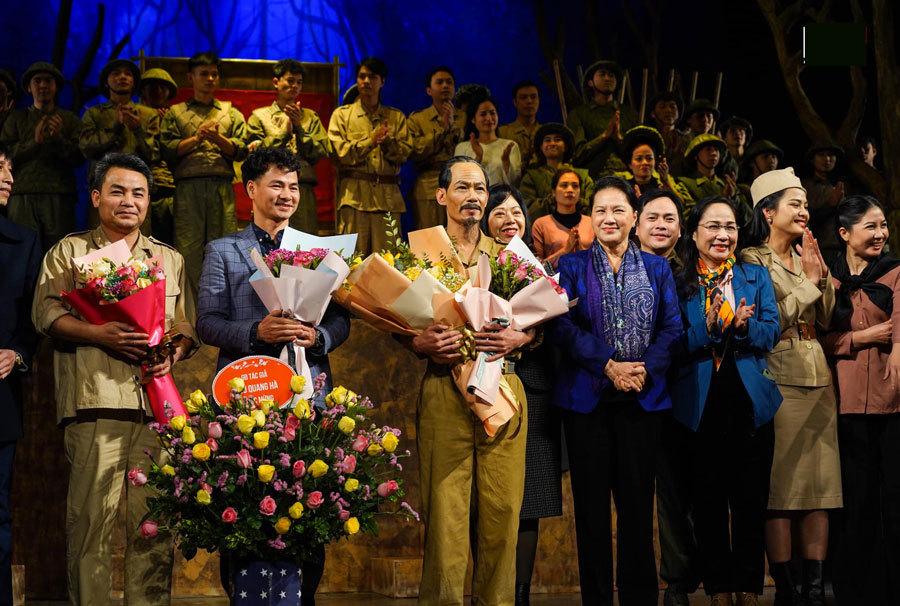 Xuân Bắc ra mắt vở diễn trên cương vị Giám đốc Nhà hát Kịch Việt Nam