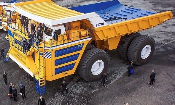 Những mẫu xe tải 'siêu to khổng lồ' nhất thế giới