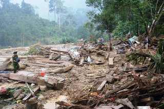 Quảng Nam gấp rút tìm giải pháp ứng phó lũ quét, sạt lở khủng khiếp