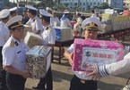 Tet gifts on the way to soldiers on duty at DK1 Platforms