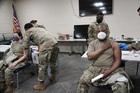 Mỹ điều vệ binh chống Covid-19, Trung Quốc tiết lộ lý do bùng phát dịch nhiều nơi