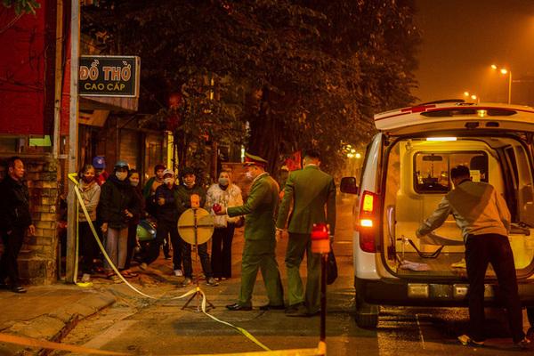 Truy tìm người bỏ thai nhi cạnh thùng rác bị ô tô đè trúng ở Hà Nội