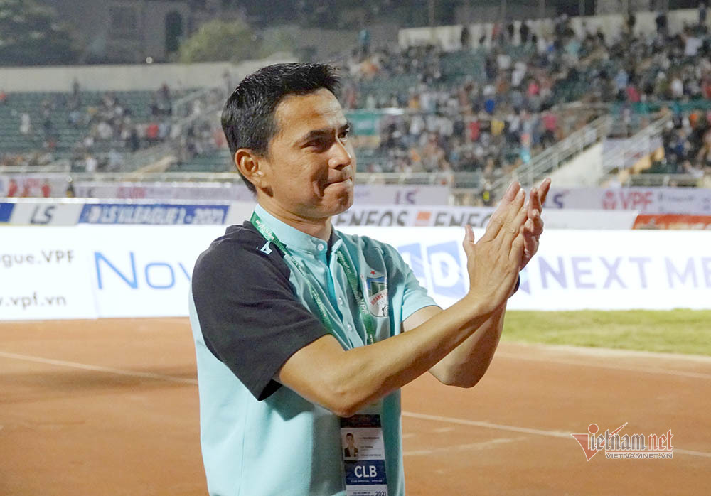 Kiatisuk: 'Việt Nam hơn hẳn Thái Lan ở vòng loại World Cup'