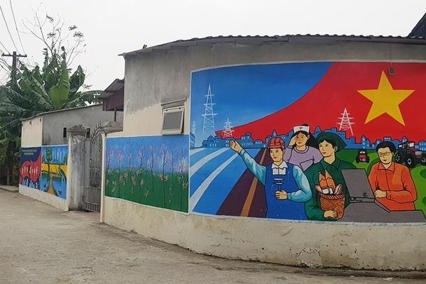 Thôn ở Thanh Hóa vẽ hơn 200m2 tranh bích họa quanh làng