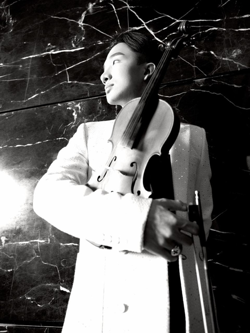 Nghệ sĩ Hoàng Rob kết hợp với Hoàng Touliver và SlimV