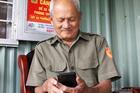 Ông lão 10 năm giúp người Sài Gòn chống ngập, từng suýt chết vì nước cuốn