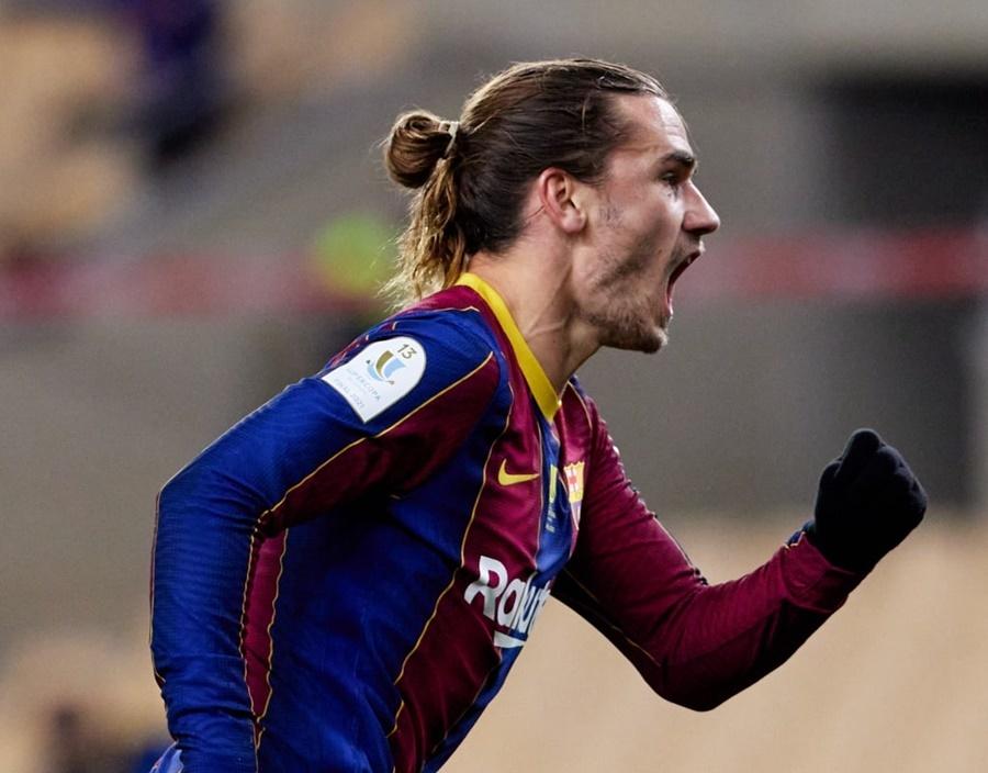 Messi bị đuổi, Barca mất Siêu cúp sau 120 phút