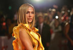 Jennifer Lopez đáp trả khi bị nhận xét mặt tiêm cả tấn botox