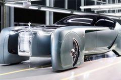 """Hé lộ hình ảnh xe điện Rolls-Royce cực """"ngầu"""", đi hơn 500km một lần sạc"""