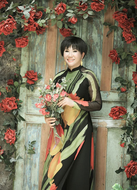 Vietnamese-Americansongtress Le Thu,died ofCOVID-19