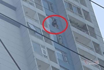 Cứu cô gái có ý định tự tử tại chung cư ở TP Thủ Đức