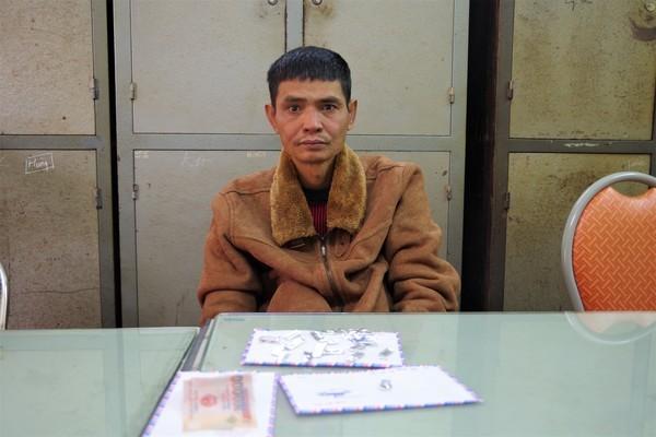 Mang ma tuý đi bán trên phố, gã nghiện có 5 tiền án ở Hải Dương bị bắt