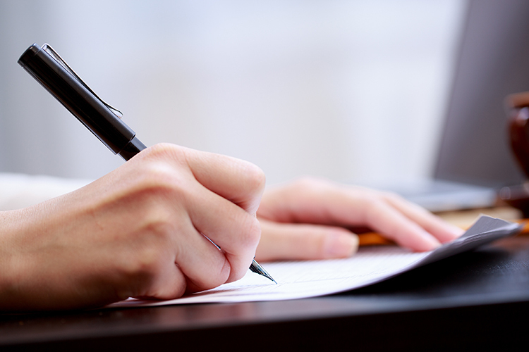 5 lưu ý khi viết bài luận để giành học bổng du học