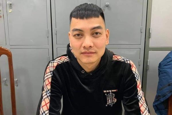 """Kẻ nổ súng bắn vào xe của """"thánh chửi"""" Dương Minh Tuyền ra đầu thú"""