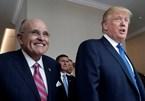 """Ông Trump và luật sư riêng lần đầu không """"chung chiến tuyến"""""""