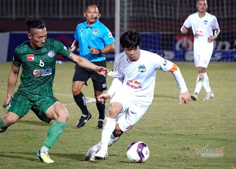 V-League trở lại, ông Park thon thót lo xa
