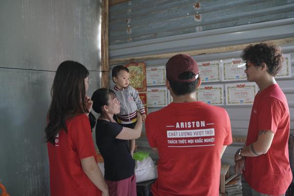 Biệt đội Ariston trao tặng máy nước nóng đến đồng bào miền Trung