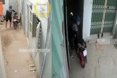 Trộm liều lĩnh lẻn vào ngõ hẹp bẻ khóa xe máy