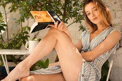 Nhan sắc nữ chính 'Bridgerton' đang gây sốt toàn cầu với cảnh phim 18+
