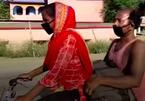Cô gái 'đạp xe 1.200 km chở bố về quê' được mời làm đại sứ