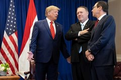 Iran giáng đòn trừng phạt ông Trump cùng loạt quan chức Mỹ