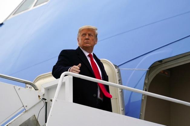 Phiên xử luận tội ông Trump bắt đầu bằng cuộc chiến về Hiến pháp