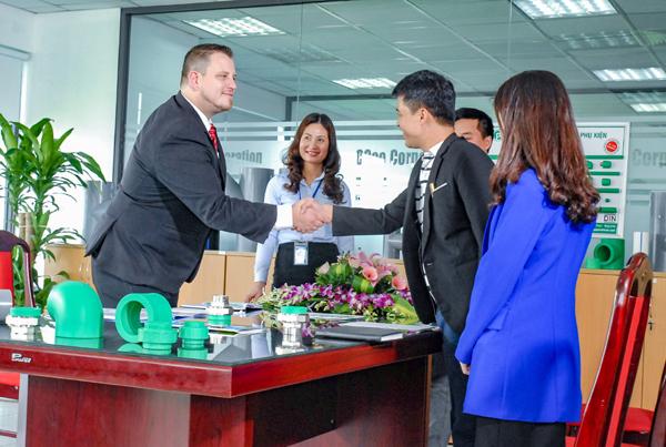 Tranh cãi về thứ hạng đánh giá các thương hiệu, việc cần lên tiếng ở Việt Nam