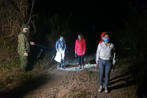Bốn người từ Trung Quốc lội sông nhập cảnh trái phép vào Việt Nam
