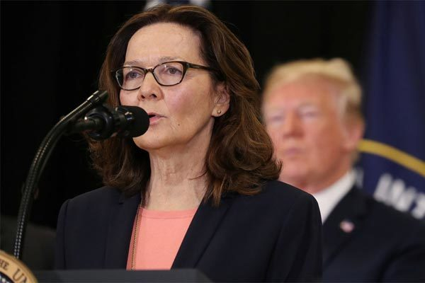Giám đốc CIA từ chức