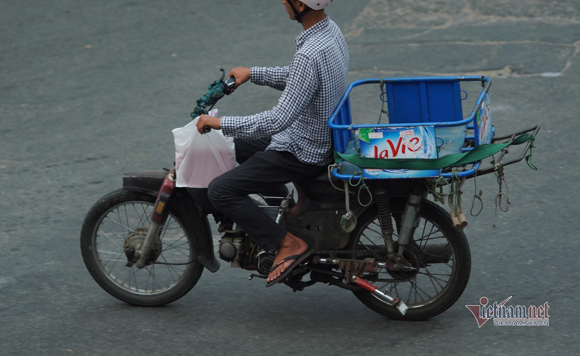 Tập đoàn 'xe xác ướp' vẫn tung hoành trên đường Sài Gòn