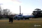 Tổng thống Trump rời Nhà Trắng, chúc chính quyền mới may mắn